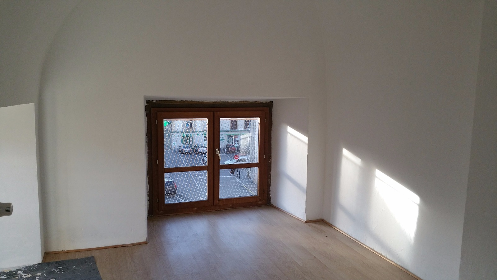 location un appartement de type 4 double vitrage chauffage central gaz de ville. Black Bedroom Furniture Sets. Home Design Ideas